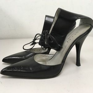 GUCCI BLACK LEATHER ANKLE LACE STLLETO HEELS 7